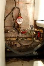 Установка приборов учета горячей воды